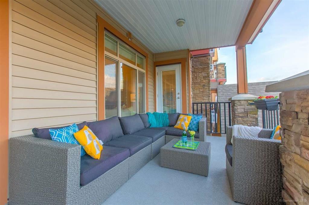 "Photo 4: Photos: 302 12565 190A Street in Pitt Meadows: Mid Meadows Condo for sale in ""CEDAR DOWNS"" : MLS®# R2352761"