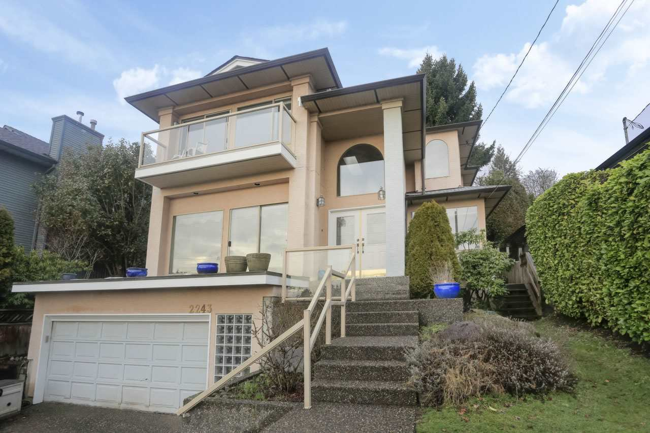 Main Photo: 2243 LAWSON Avenue in West Vancouver: Dundarave House for sale : MLS®# R2452443