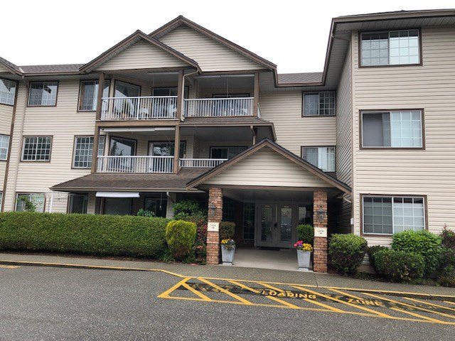 "Main Photo: 207 32145 OLD YALE Road in Abbotsford: Abbotsford West Condo for sale in ""CYPRESS PARK"" : MLS®# R2463885"