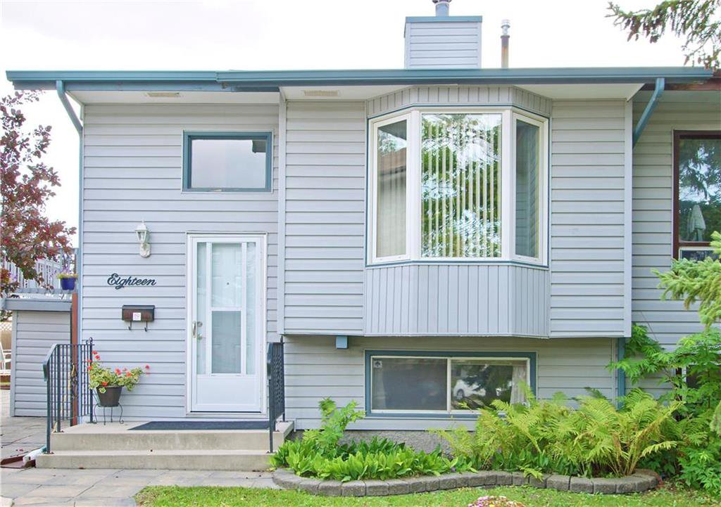 Main Photo: 18 Sandy Lake Place in Winnipeg: Waverley Heights Residential for sale (1L)  : MLS®# 202022781