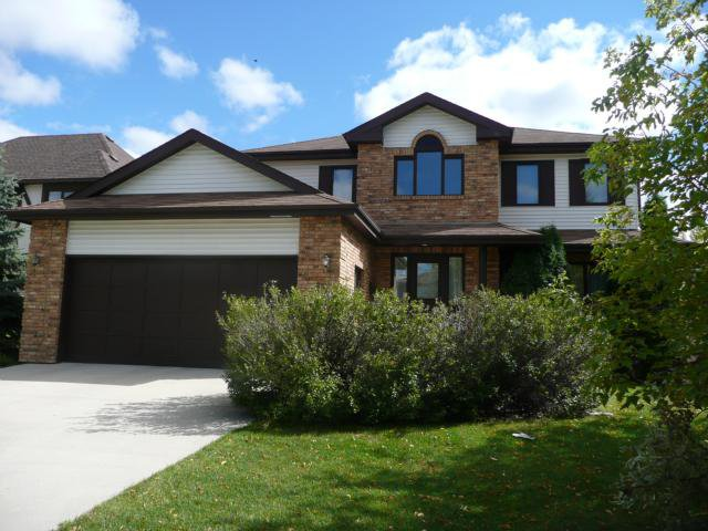 Main Photo: 43 Allan Rouse Cove in WINNIPEG: North Kildonan Residential for sale (North East Winnipeg)  : MLS®# 1103156