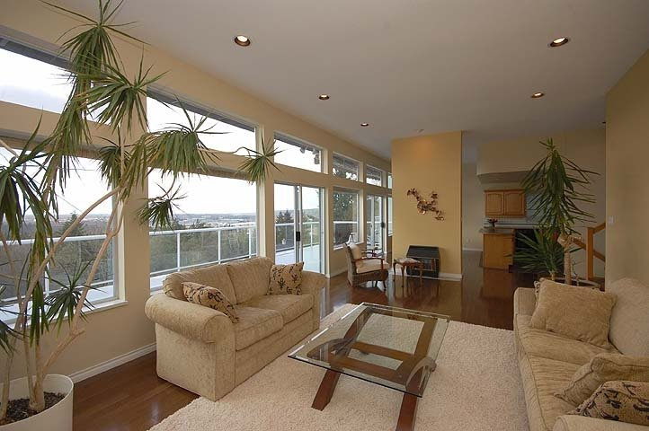 Photo 3: Photos: 924 LONDON Place in New Westminster: Connaught Heights House for sale : MLS®# V873832
