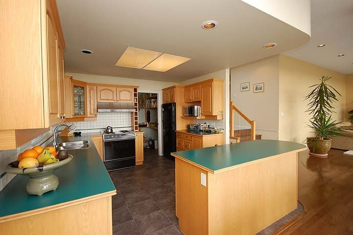 Photo 5: Photos: 924 LONDON Place in New Westminster: Connaught Heights House for sale : MLS®# V873832