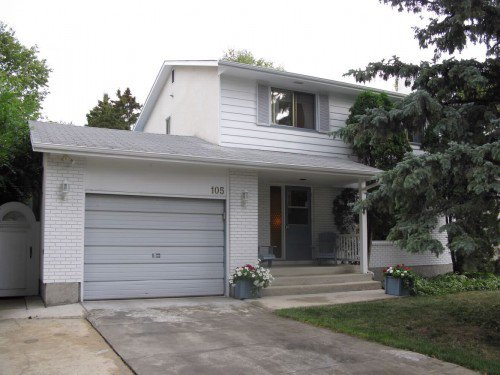 Main Photo: 105 Linacre Road in Winnipeg: Fort Garry / Whyte Ridge / St Norbert Single Family Attached for sale (South Winnipeg)  : MLS®# 1218973
