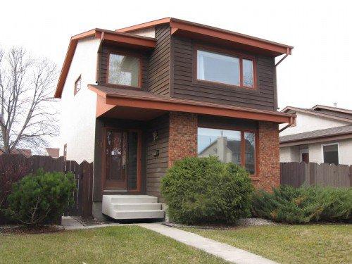 Main Photo: 34 Kennington Bay in Winnipeg: South St Vital Single Family Detached for sale (South Winnipeg)  : MLS®# 1222768