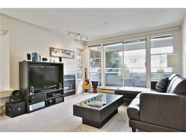 Main Photo: 202 2287 W 3RD Avenue in Vancouver: Kitsilano Condo for sale (Vancouver West)  : MLS®# V1069767