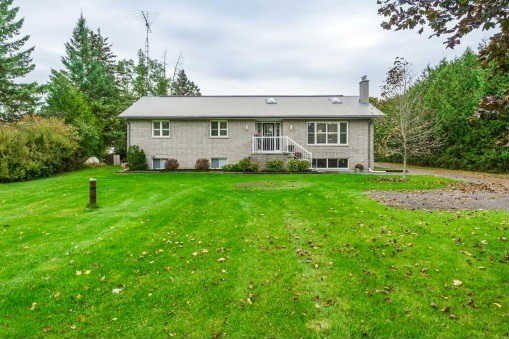 Photo 10: Photos: 6731 Clemens Road in Clarington: Rural Clarington House (Bungalow) for sale : MLS®# E3345473