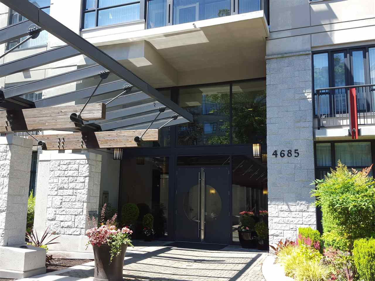 """Photo 5: Photos: 109 4685 VALLEY Drive in Vancouver: Quilchena Condo for sale in """"MARGUERITE HOUSE I"""" (Vancouver West)  : MLS®# R2073866"""