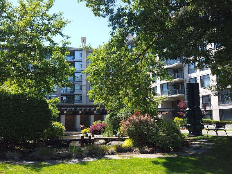 """Photo 9: Photos: 109 4685 VALLEY Drive in Vancouver: Quilchena Condo for sale in """"MARGUERITE HOUSE I"""" (Vancouver West)  : MLS®# R2073866"""