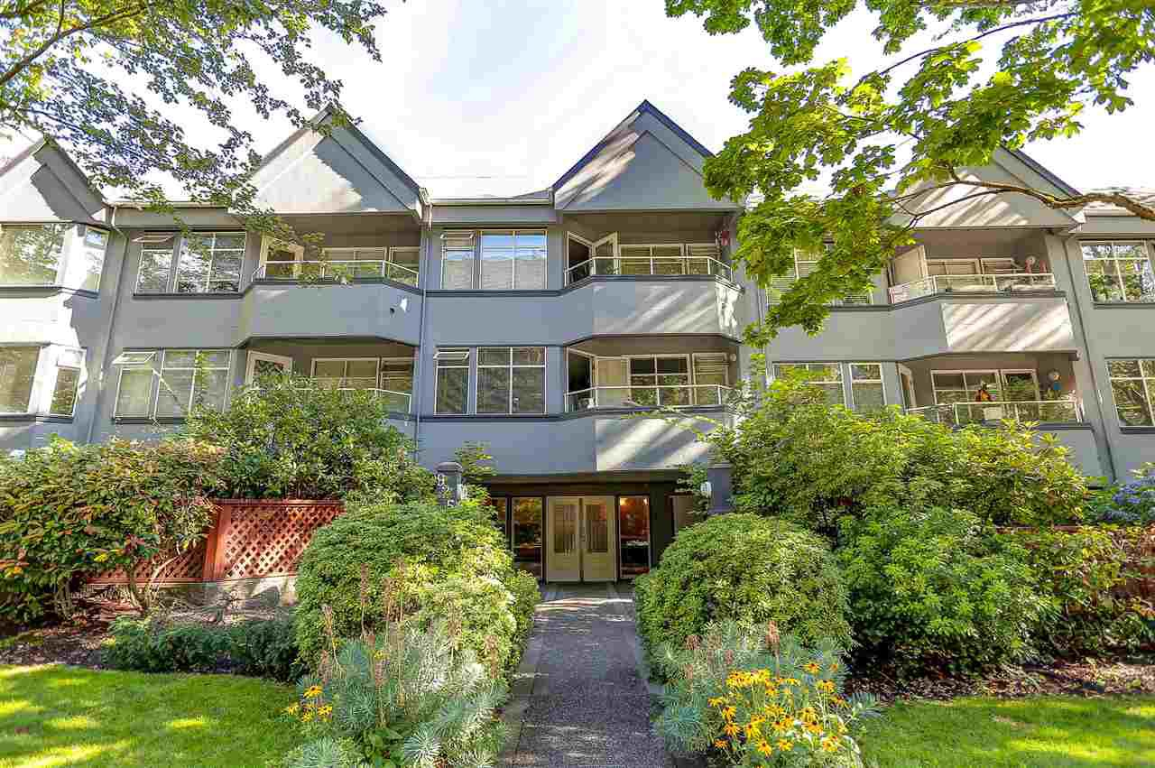 """Main Photo: 107 925 W 10TH Avenue in Vancouver: Fairview VW Condo for sale in """"Laurel Place"""" (Vancouver West)  : MLS®# R2096518"""