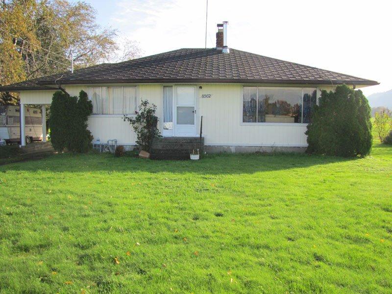 Main Photo: 8562 GLEDHILL Road in Mission: Dewdney Deroche House for sale : MLS®# R2116870