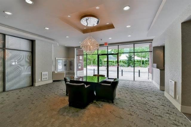 "Photo 11: Photos: 1405 2959 GLEN Drive in Coquitlam: North Coquitlam Condo for sale in ""THE PARC"" : MLS®# R2153891"