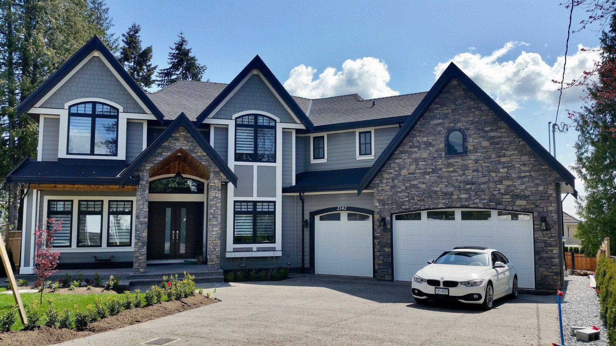 Main Photo: 2142 EDGEWOOD Avenue in Coquitlam: Central Coquitlam House for sale : MLS®# R2218676