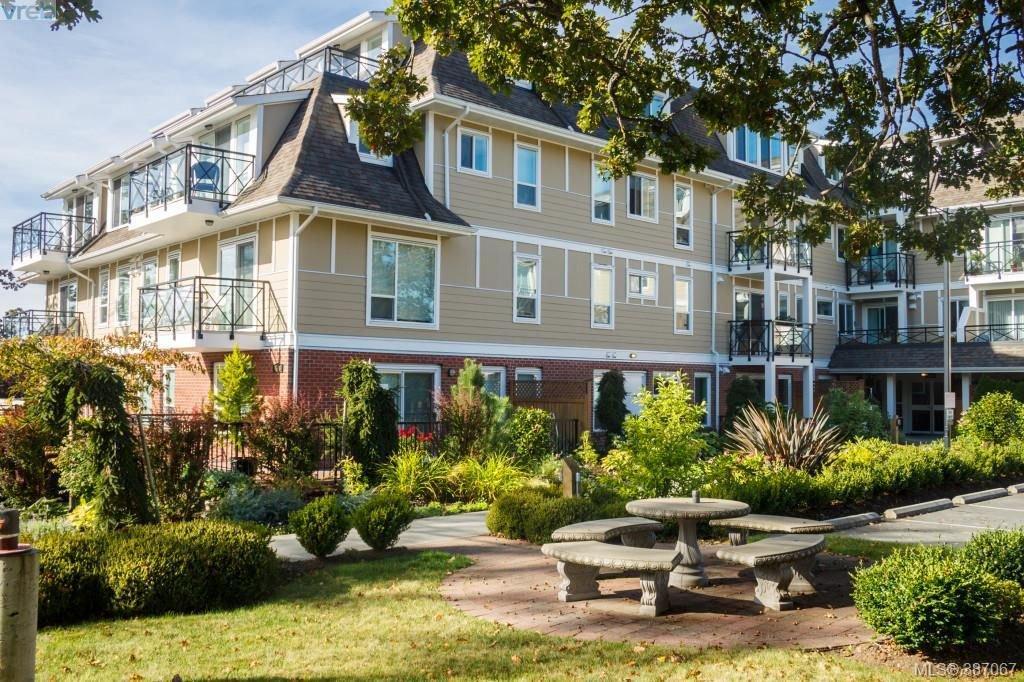 Main Photo: 305 4536 Viewmont Avenue in VICTORIA: SW Royal Oak Condo Apartment for sale (Saanich West)  : MLS®# 387067