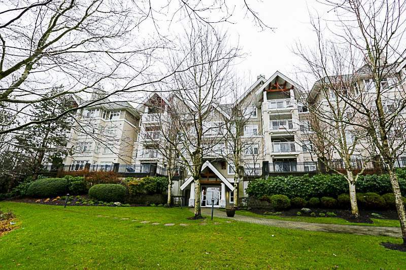 "Main Photo: 308 1438 PARKWAY Boulevard in Coquitlam: Westwood Plateau Condo for sale in ""MONTREAUX"" : MLS®# R2235799"