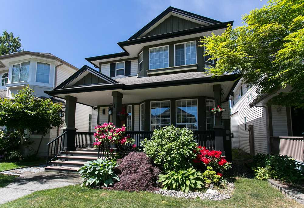 Main Photo: 8663 206B Street in Langley: Walnut Grove House for sale : MLS®# R2273407