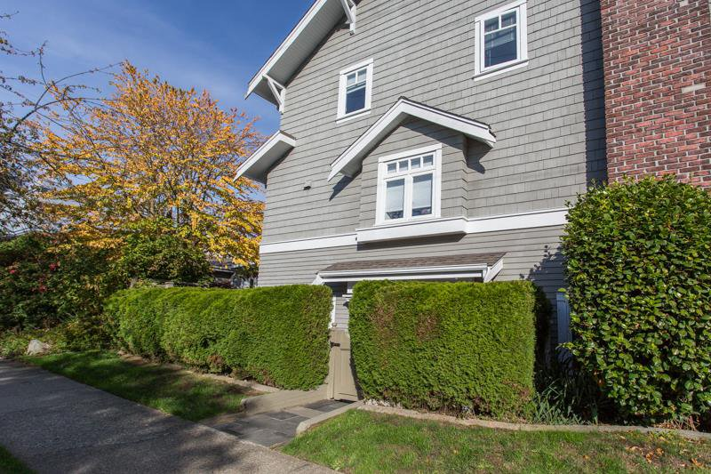 """Main Photo: 2086 LARCH Street in Vancouver: Kitsilano Townhouse for sale in """"Self Managed"""" (Vancouver West)  : MLS®# R2310705"""