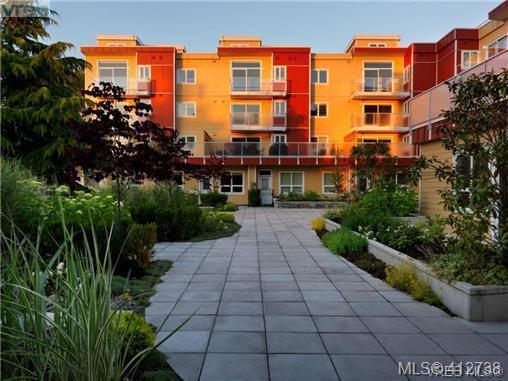 Main Photo: 401 1315 Esquimalt Rd in VICTORIA: Es Saxe Point Condo Apartment for sale (Esquimalt)  : MLS®# 818440