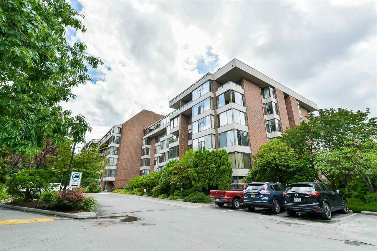 "Main Photo: 202 4101 YEW Street in Vancouver: Quilchena Condo for sale in ""Arbutus Village"" (Vancouver West)  : MLS®# R2383784"