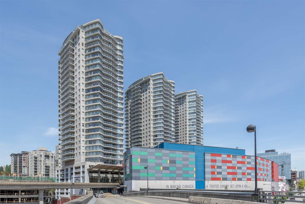 "Main Photo: 1003 898 CARNARVON Street in New Westminster: Downtown NW Condo for sale in ""AZURE I"" : MLS®# R2407271"