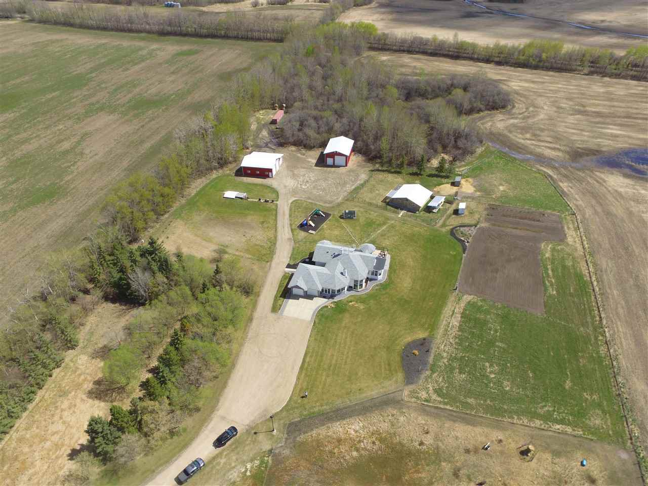 Main Photo: 25215 TWP 571: Rural Sturgeon County House for sale : MLS®# E4197626