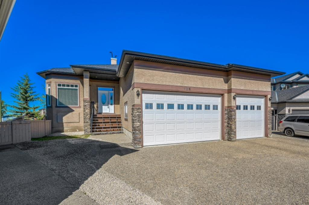 Main Photo: 424 East Lakeview Place: Chestermere Detached for sale : MLS®# A1033647