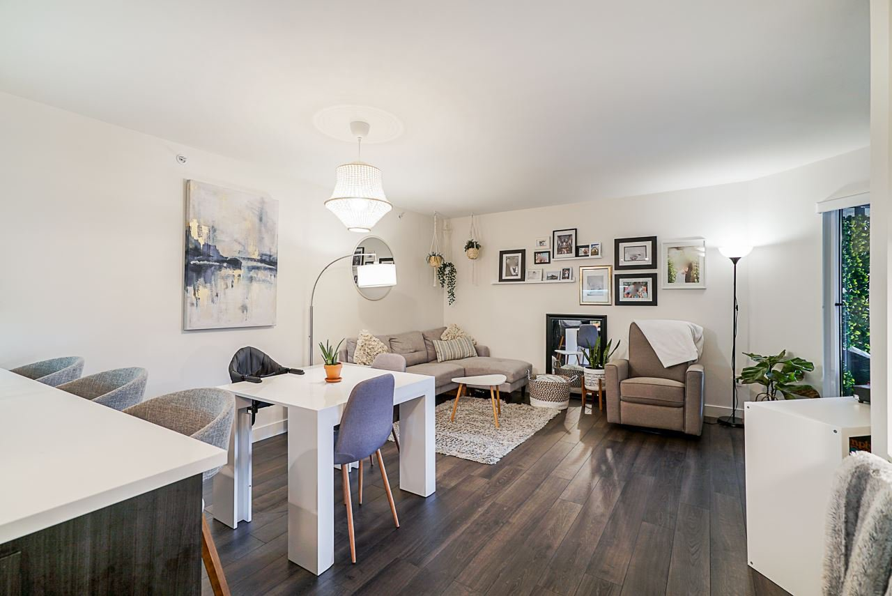 """Main Photo: 503 2525 CLARKE Street in Port Moody: Port Moody Centre Condo for sale in """"The Strand"""" : MLS®# R2524901"""