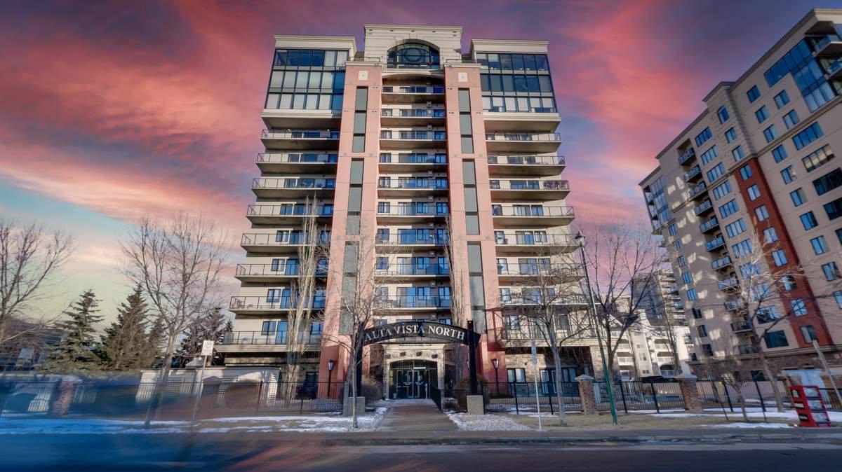 Main Photo: 702 10319 111 Street in Edmonton: Zone 12 Condo for sale : MLS®# E4223695