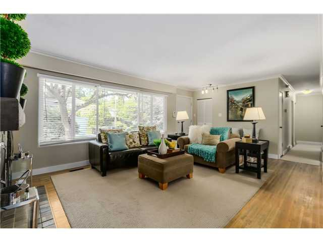 "Photo 2: Photos: 1361 E 15TH Street in North Vancouver: Westlynn House for sale in ""WESTLYNN"" : MLS®# V1129244"