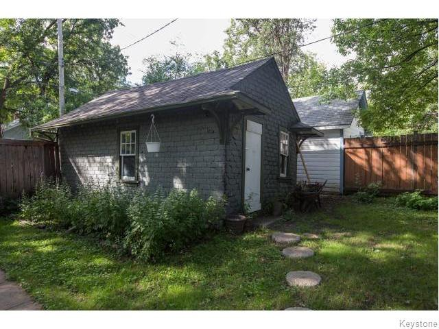 Photo 15: Photos: 274 Ashland Avenue in Winnipeg: Riverview Residential for sale (1A)  : MLS®# 1620228