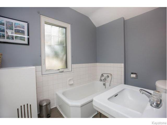 Photo 9: Photos: 274 Ashland Avenue in Winnipeg: Riverview Residential for sale (1A)  : MLS®# 1620228