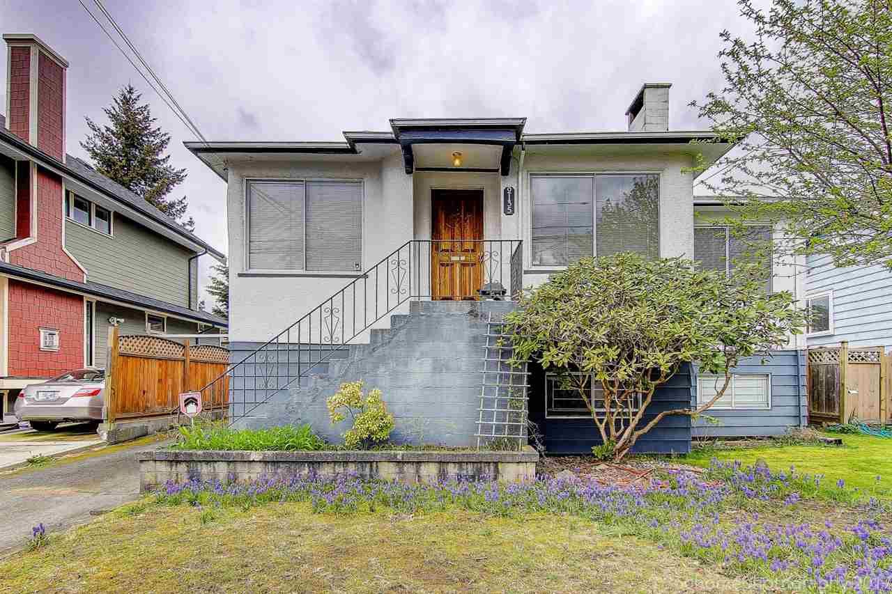 "Main Photo: 2135 EIGHTH Avenue in New Westminster: Connaught Heights House for sale in ""CONNAUGHT HEIGHTS"" : MLS®# R2156367"
