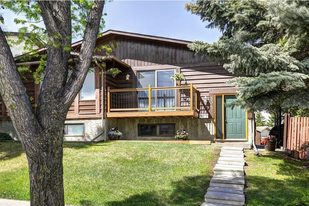 Main Photo: CENTRE ST NW in Calgary: Beddington Heights House for sale