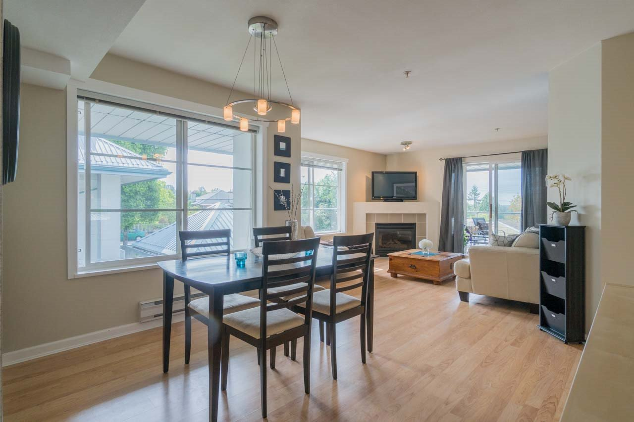 "Main Photo: 314 11519 BURNETT Street in Maple Ridge: East Central Condo for sale in ""STANFORD GARDENS"" : MLS®# R2186842"