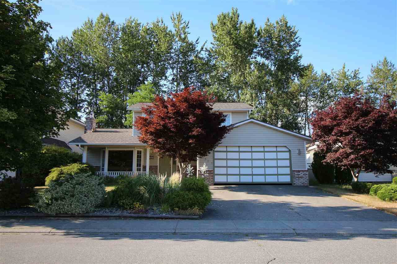 "Main Photo: 32267 CLINTON Avenue in Abbotsford: Abbotsford West House for sale in ""FAIRFIELD ESTATES"" : MLS®# R2188538"