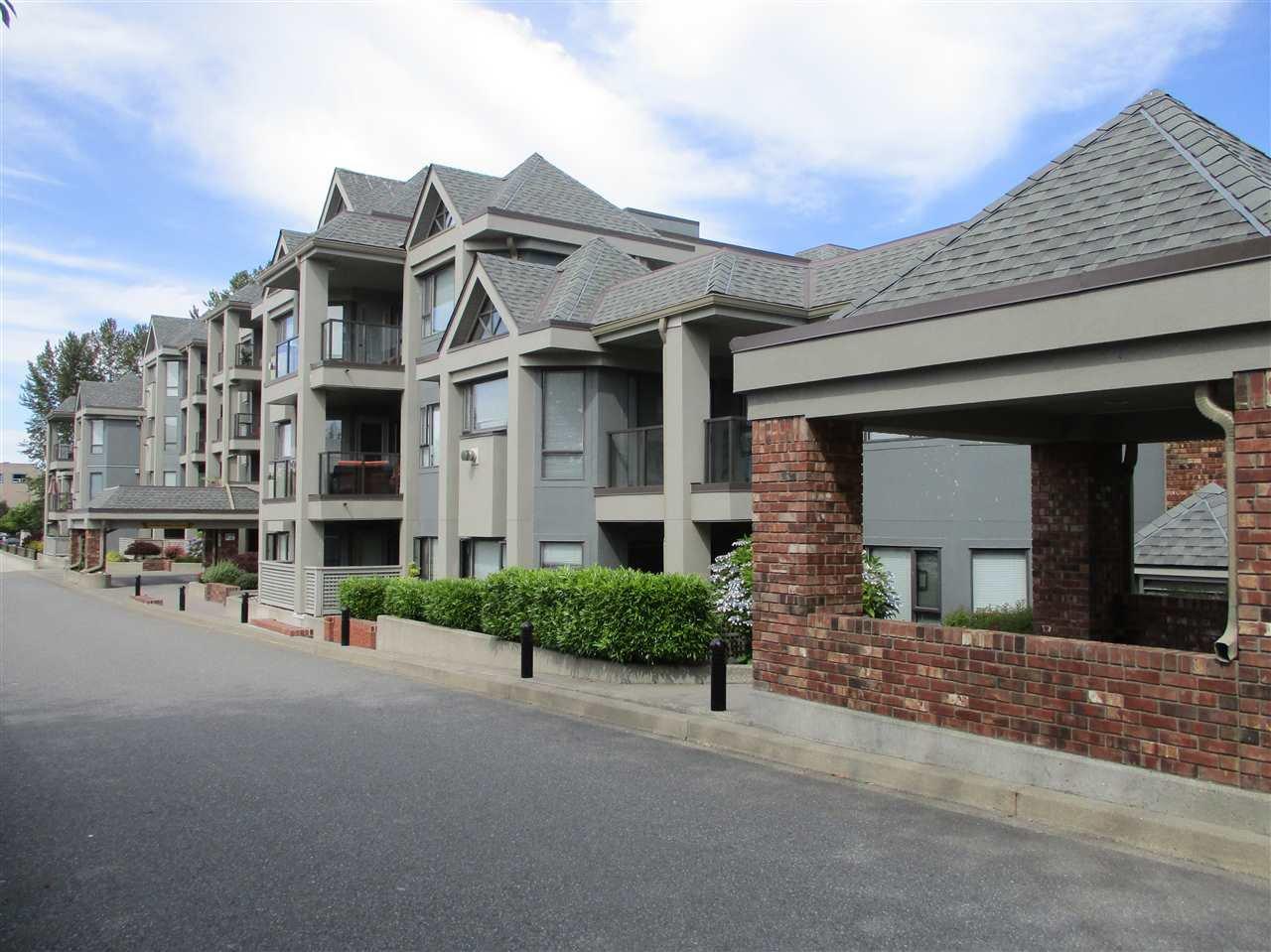 Main Photo: 106 15241 18 AVENUE in Surrey: King George Corridor Condo for sale (South Surrey White Rock)  : MLS®# R2190046