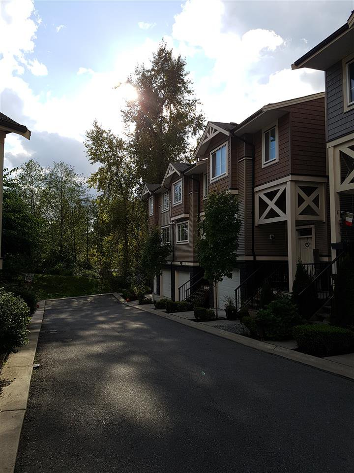 "Main Photo: 72 11252 COTTONWOOD Drive in Maple Ridge: Cottonwood MR Townhouse for sale in ""COTTONWOOD RIDGE"" : MLS®# R2211714"