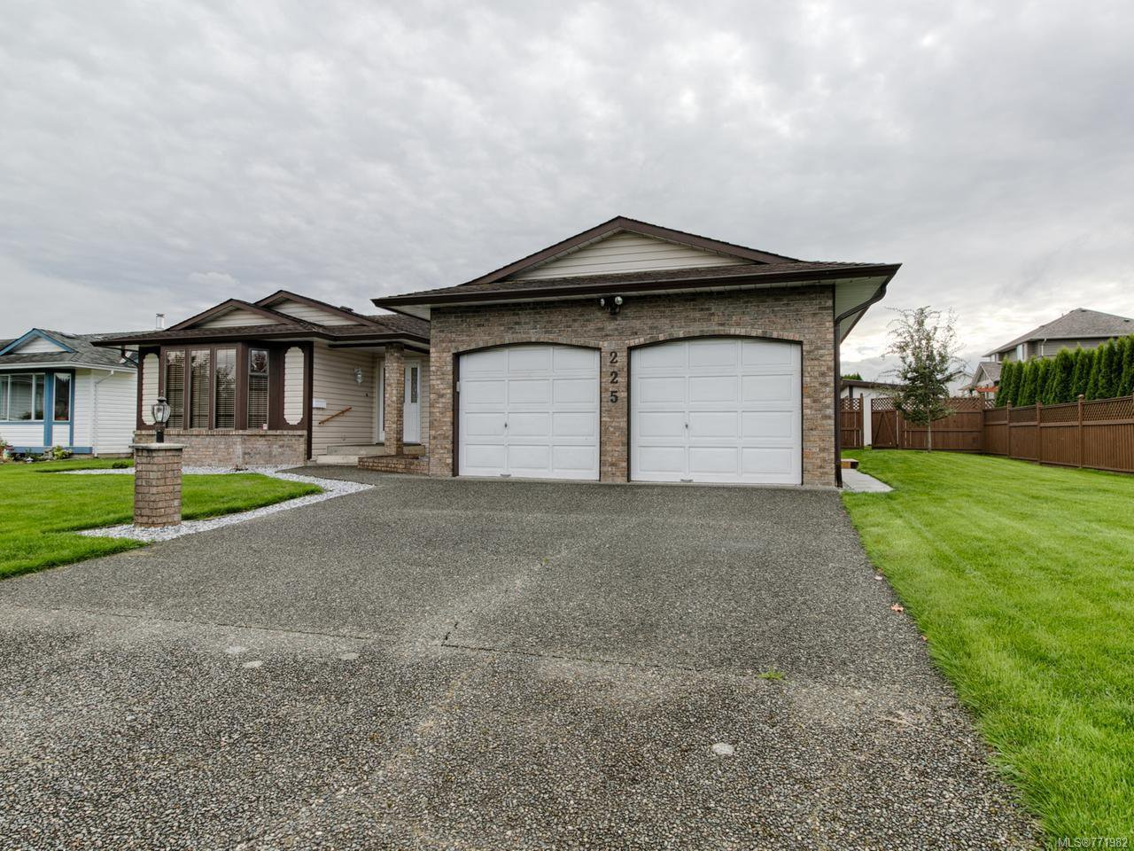 Main Photo: 225 Utah Dr in CAMPBELL RIVER: CR Willow Point House for sale (Campbell River)  : MLS®# 771982