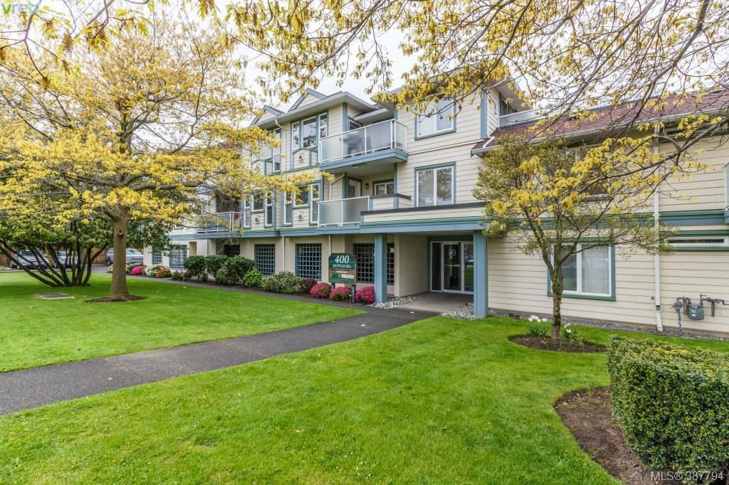 Main Photo: 208 400 Dupplin Rd in VICTORIA: SW Rudd Park Condo Apartment for sale (Saanich West)  : MLS®# 779251