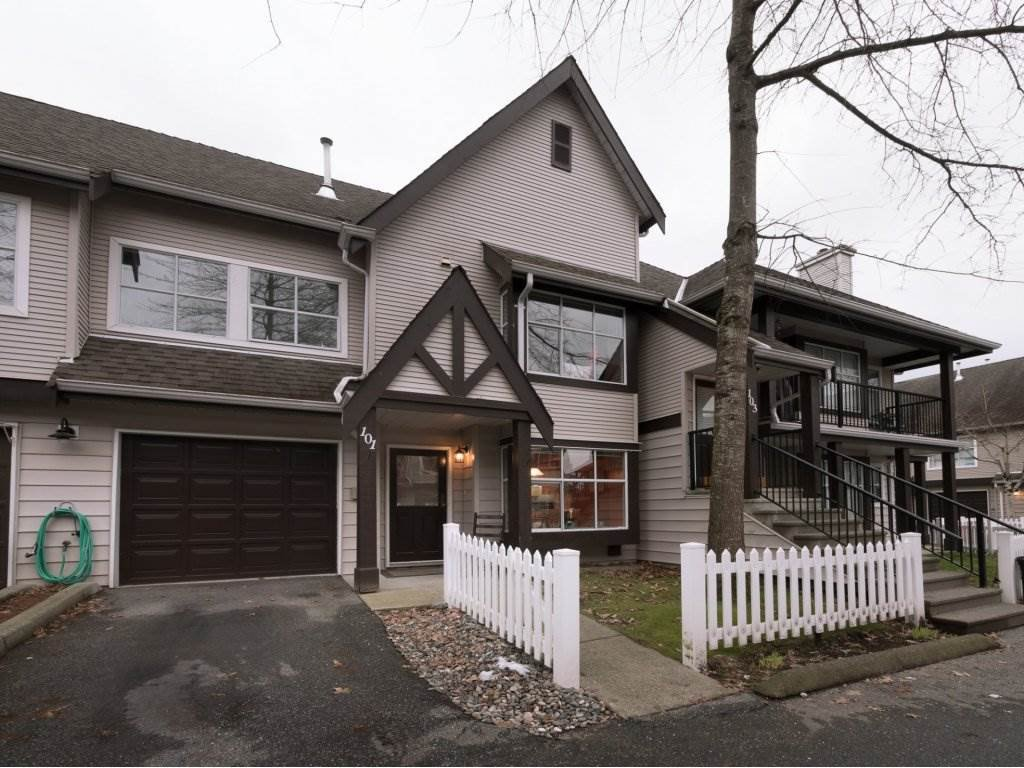 """Main Photo: 101 12099 237 Street in Maple Ridge: East Central Townhouse for sale in """"GABRIOLA"""" : MLS®# R2241258"""