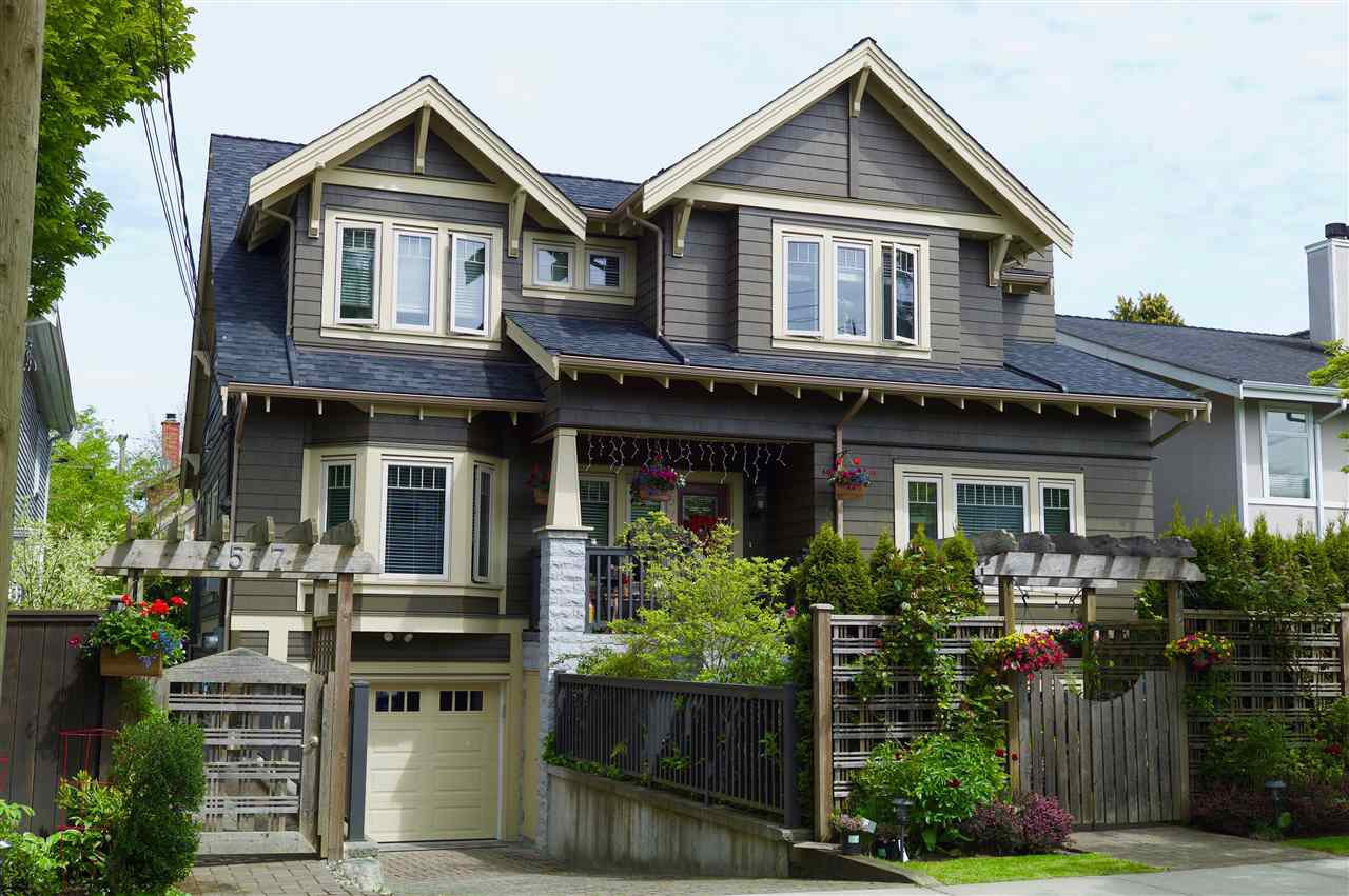 Main Photo: 2575 W 7TH Avenue in Vancouver: Kitsilano Townhouse for sale (Vancouver West)  : MLS®# R2245156