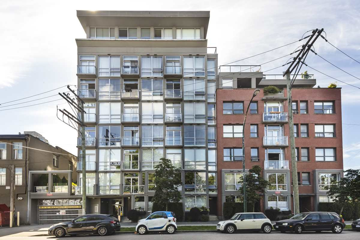"Main Photo: 207 919 STATION Street in Vancouver: Mount Pleasant VE Condo for sale in ""Left Bank"" (Vancouver East)  : MLS®# R2275486"