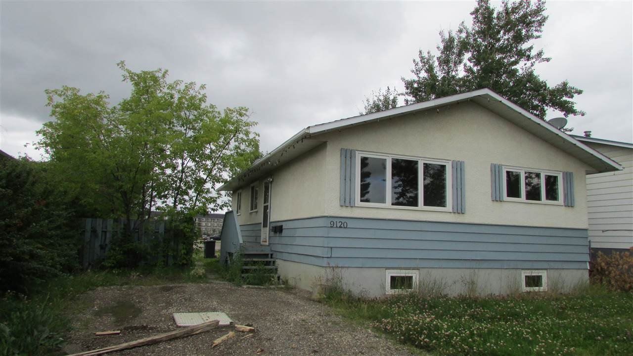 "Main Photo: 9120 92A Street in Fort St. John: Fort St. John - City SE House for sale in ""WALMART"" (Fort St. John (Zone 60))  : MLS®# R2395774"