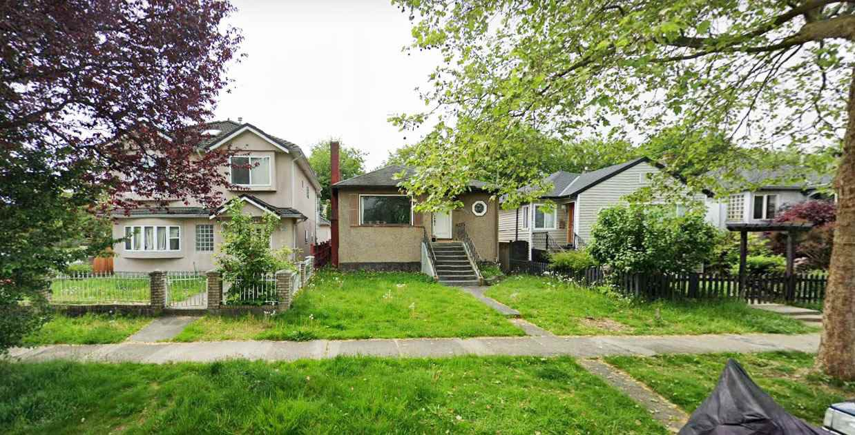 "Main Photo: 2690 NAPIER Street in Vancouver: Renfrew VE House for sale in ""RENFREW"" (Vancouver East)  : MLS®# R2418363"