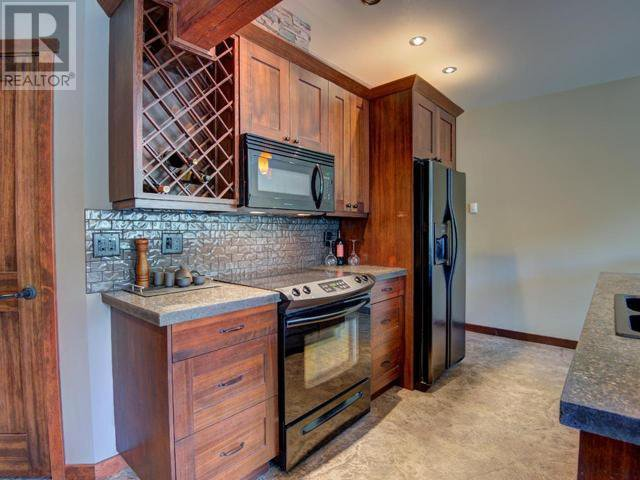 Photo 6: Photos: 16 - 308 CREEKVIEW ROAD in Penticton: House for sale : MLS®# 181333