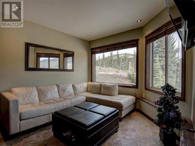 Photo 2: Photos: 16 - 308 CREEKVIEW ROAD in Penticton: House for sale : MLS®# 181333