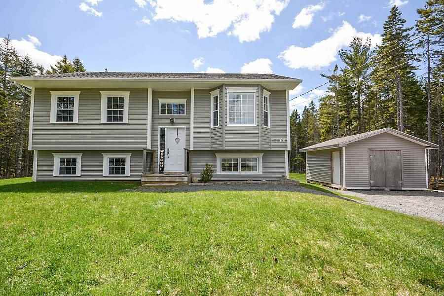 Main Photo: 3266 Sackville Drive in Upper Sackville: 26-Beaverbank, Upper Sackville Residential for sale (Halifax-Dartmouth)  : MLS®# 202007806