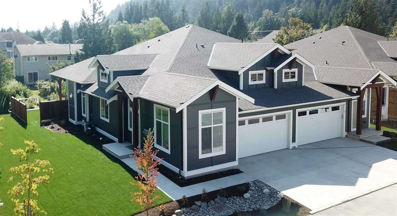 """Main Photo: 19 628 MCCOMBS Drive: Harrison Hot Springs House 1/2 Duplex for sale in """"EMERSON COVE"""" : MLS®# R2468246"""