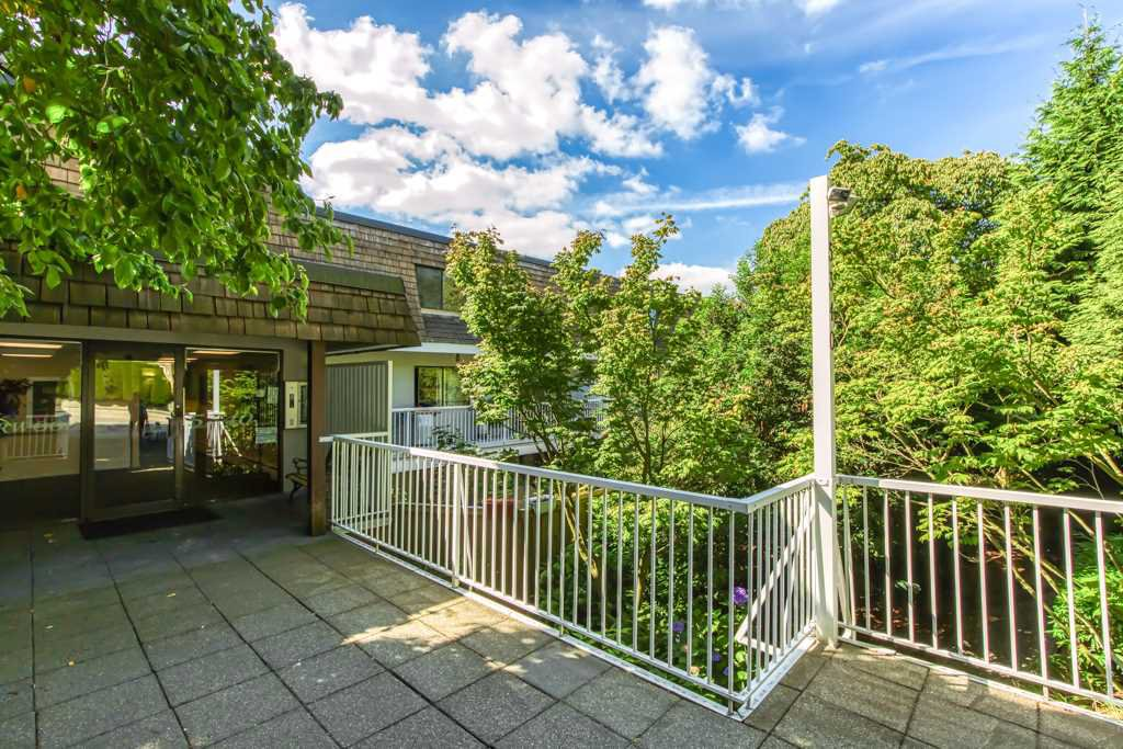"Main Photo: 214 5340 HASTINGS Street in Burnaby: Capitol Hill BN Condo for sale in ""CEDARWOOD"" (Burnaby North)  : MLS®# R2491984"