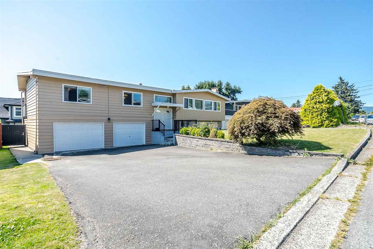 Main Photo: 7177 PAULUS Crescent in Burnaby: Montecito House for sale (Burnaby North)  : MLS®# R2493565